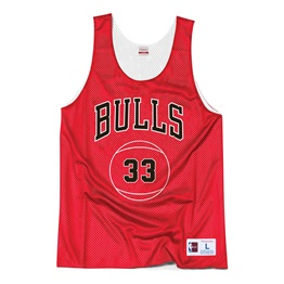 MITCHELL & NESS CHICAGO BULLS SCOTTIE PIPPEN #33 REVERSIBLE MESH TANK TOP